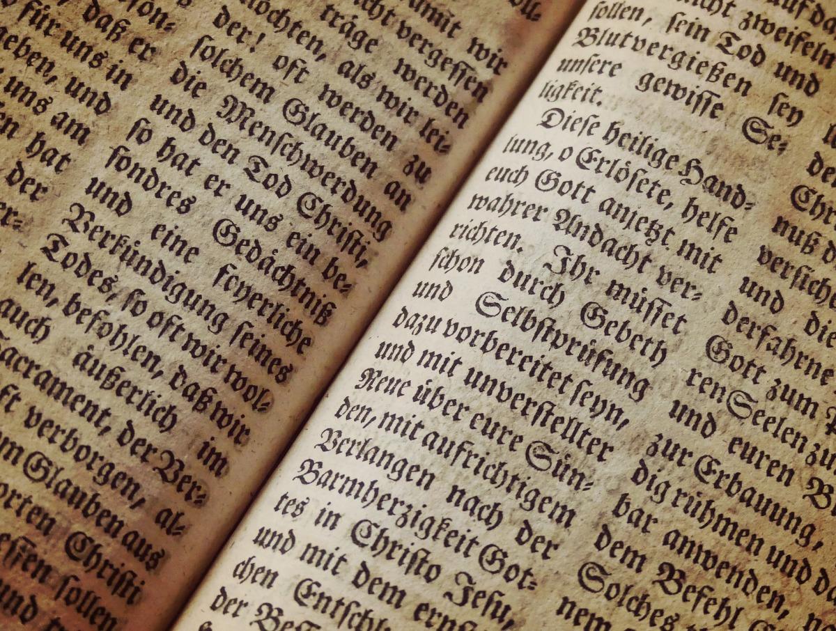 bible-1960635_1920.jpg