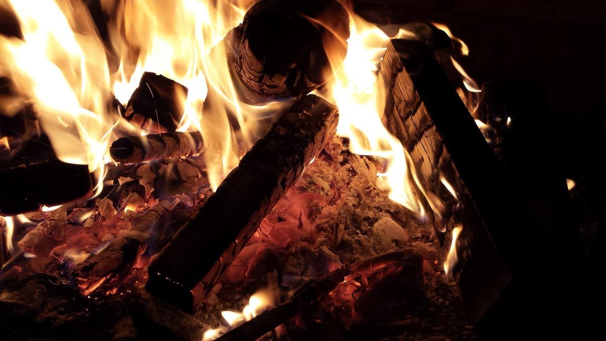 fire-1126830_1920.jpg