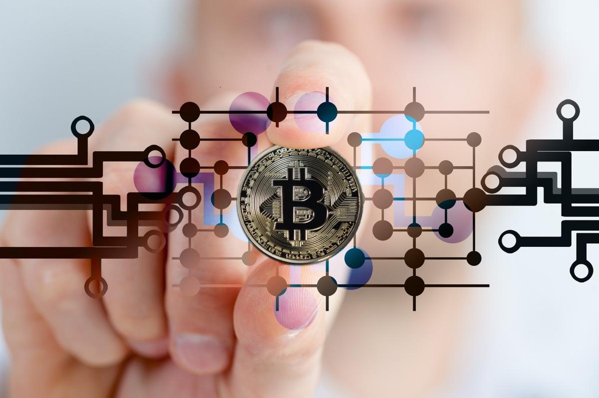 bitcoin-2643159_1920