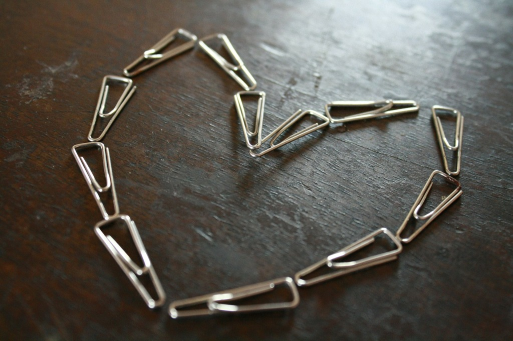 paper-clips-166459_1920
