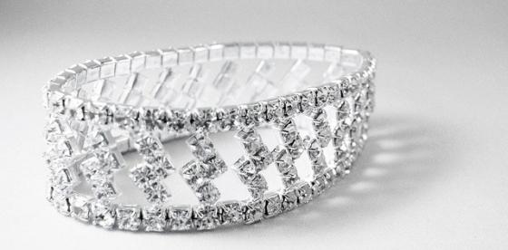 bracelet-1850_640.jpg