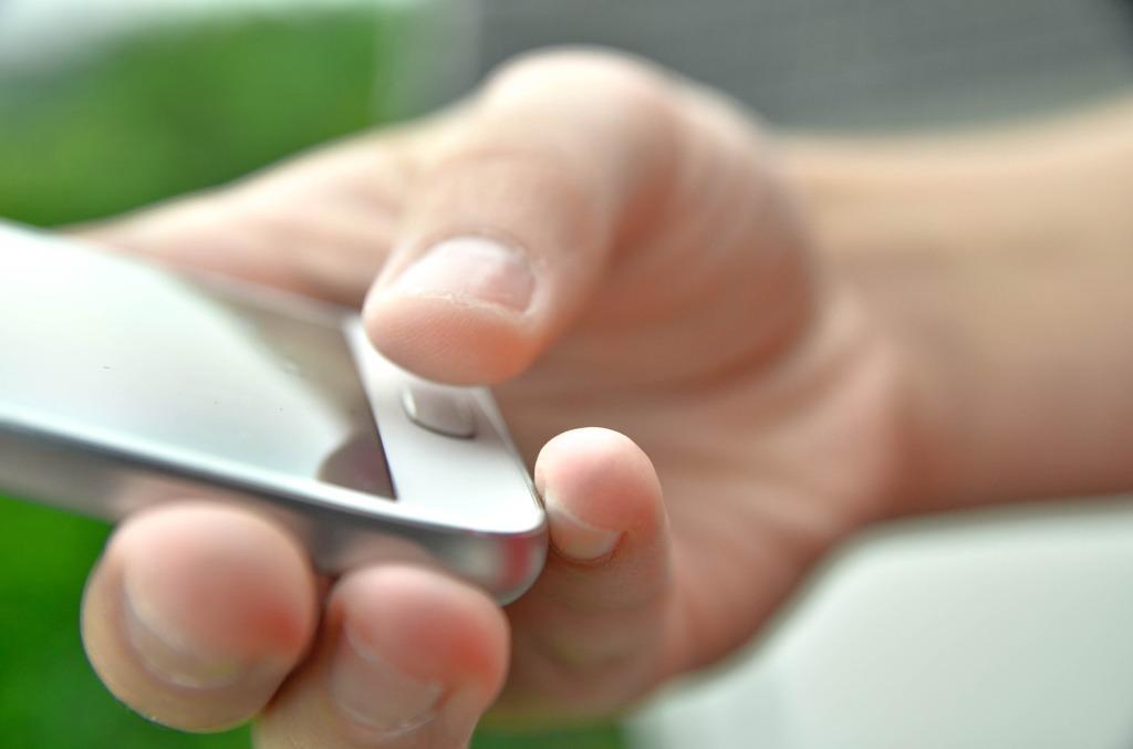 Apotheke Digitalisierung eRezept Botendienst Smartphone Telepharmazie