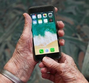 Apotheke Digitalisierung iPhone eRezept Smartphone