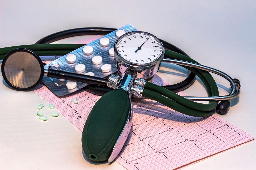 Apotheke Digitalisierung Smartwatch Blood Pressure Smartpill