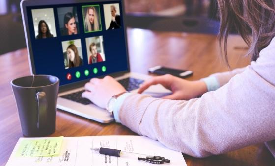 Apotheke Digitalisierung Webinar Videokonferenz